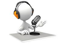 Locutor en una cabina | ¿Qué Es Un Podcast?