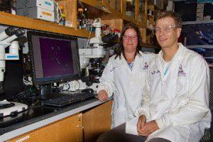 La Dra. Vilmalí López Mejía y el Dr. Torsten Stelzer son parte del equipo internacional que trabaja junto a la NASA en Puerto Rico. (dale click para verla grande)