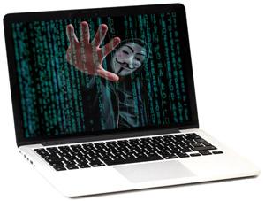 Hacker dentro de una computadora - Pandemia exacerba los fraudes por internet